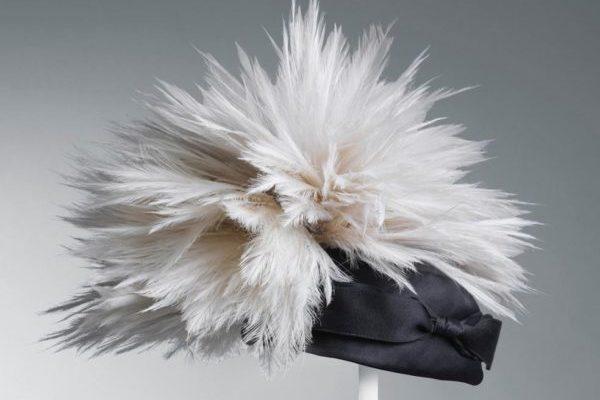 Sombrero-balenciaga-exposicion-Dreams-of-Luxury
